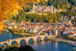 Гейдельберг считается одним из самых красивых немецких городов. Здесь находится старейший университет Германии. Город известен своим живописным старым городом, старинным мостом Карла Теодора и, конечно, Гейдельбергским замоком. Кроме того, в окрестностях Гейдельберга тоже найдётся, на что посмотреть.
