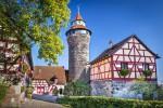 Нюрнберг. В средние века Нюрнберг был самым большим и процветающим городом Германии. Не упустите возможность посетить впечатляющий замок Нюрнберга, рождественскую ярмарку и живописный старый город.