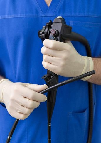 При подозрении на рак лёгкого проведение бронхоскопии обязательно.