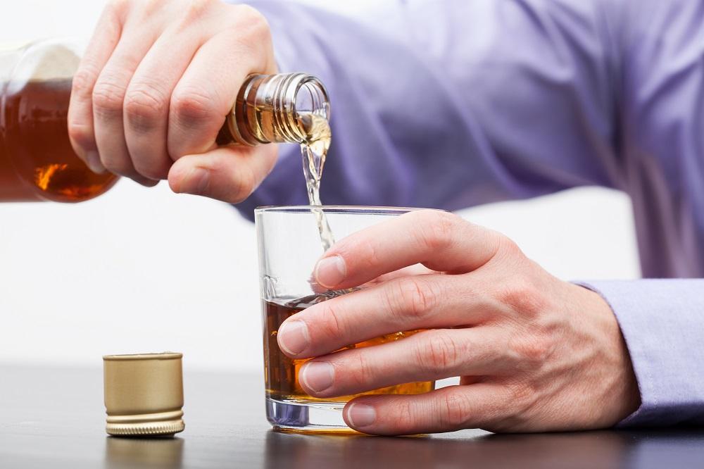 Immer öfter Kontrollverlust beim Trinken: Betroffene geraten in seelische und körperliche Abhängigkeit vom Alkohol