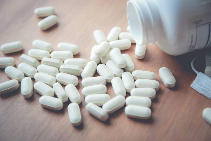 Современная медикаментозная терапия позволяет снижать концентрацию вируса до неопределяемого уровня.