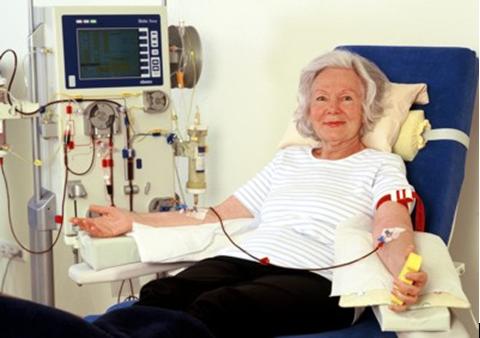 Patientin während der Apherese