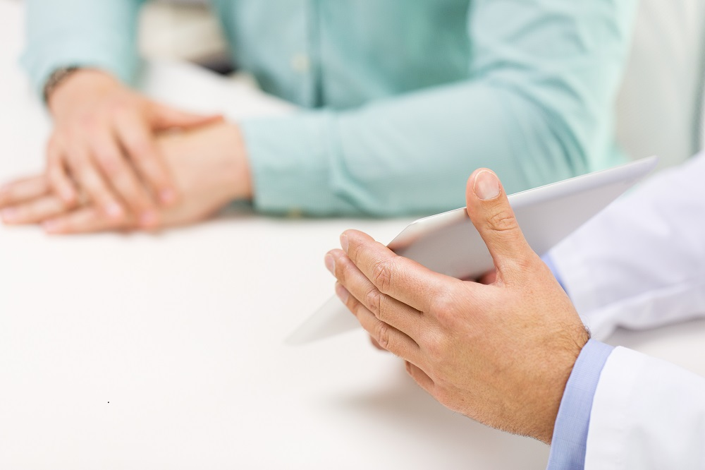 Prostate cancer: Urologist and patient discuss the best treatment options
